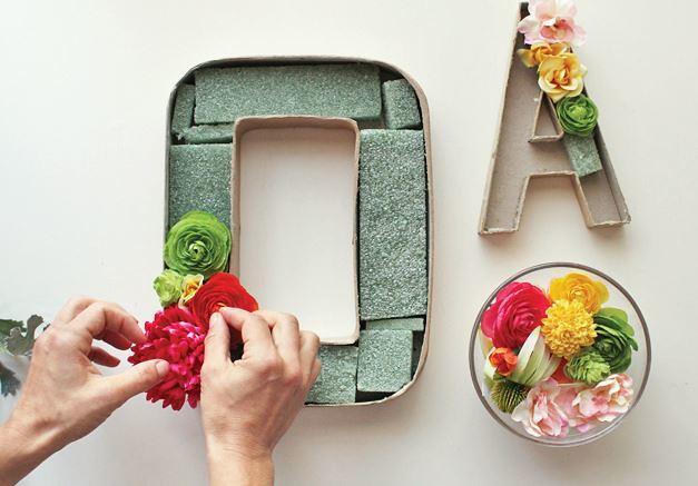 letras de carton con flores 4