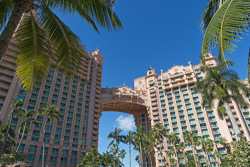 royaltowers perspective palmtree tree view landscape sky atlantisresort paradiseisland nassau bahamas hotel vacation luxury nikon d5