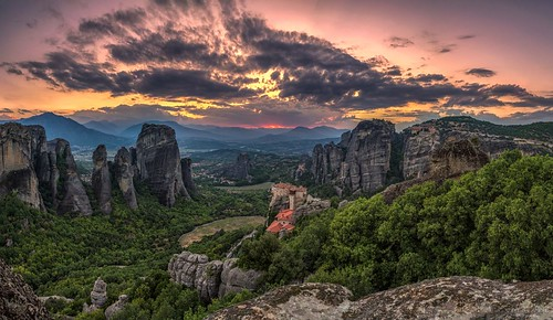 landscape sunlight sunset greece meteora monastery resting peacefull colours warm 2015 nikon nikkor1685vr d7000 summer nature zalazak sumrak meteori grcka beautiful outdoor hill mountain peak ridge mountainside rock formation canyon