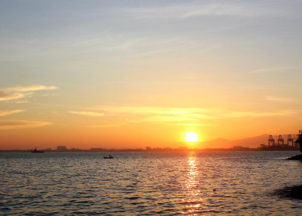 eastern-oriental-penang-sunrise-sea