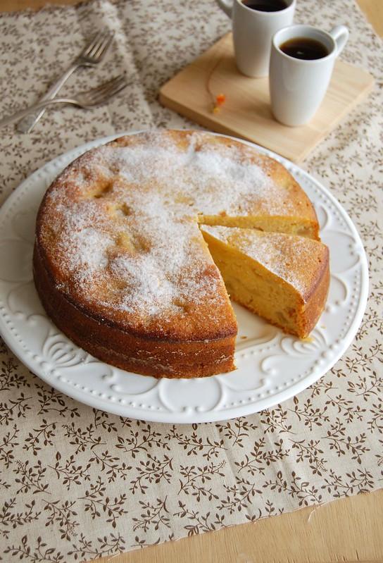 Apple polenta cake / Bolo de milho e maçã