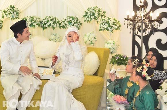 8923138888 805159fa38 o Gambar Perkahwinan Izzue Islam dan Awin Nurin
