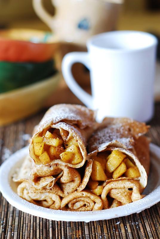 Apple cinnamon crepes recipe, pancakes, breakfast, dessert