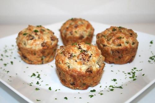 39 - Cabanossi Feta Muffins - Seitenansicht / Side view