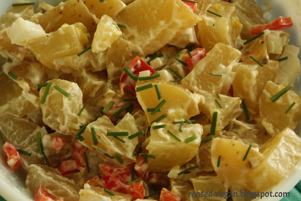 vegan potato salad by rooted-vegan.blogspot.com