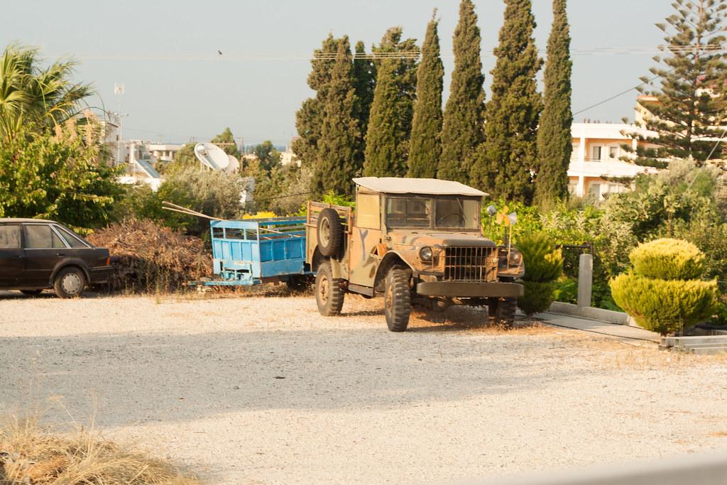 Частная территория - неизвестный грузовичок