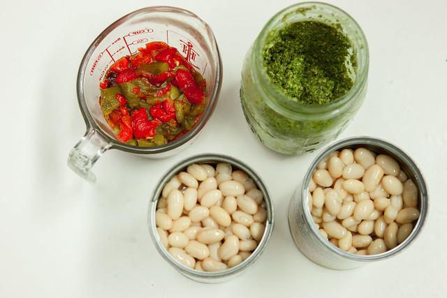 Pesto Roasted Pepper White Bean SoupIMG_5079