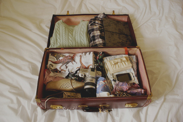 uk lifestyle blog vivatramp packing checklish what to pack for a weekend away