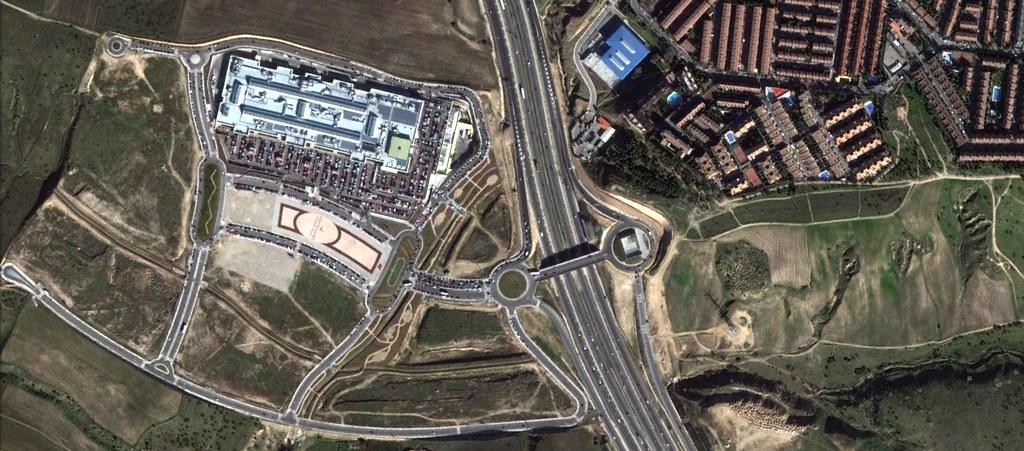 majadahonda, madrid, tan elegante como el centro comercial de alcobendas, después, urbanismo, planeamiento, urbano, desastre, urbanístico, construcción, rotondas, carretera