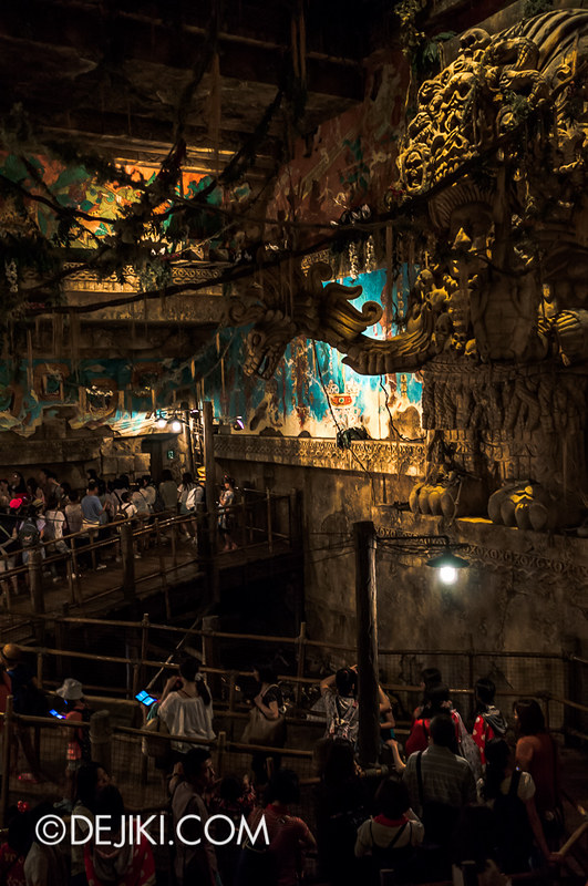 Tokyo DisneySea - Indiana Jones Adventure / Queue - Pyramid Level