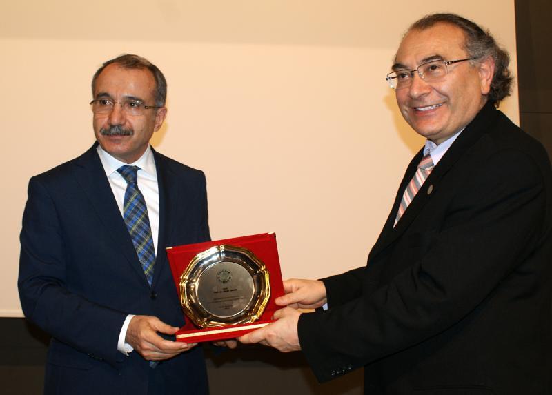 Üsküdar Üniversitesi Milli Eğitim Eski Bakanı Ömer Dinçer'i ağırladı 3