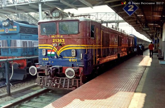 Bezawada (Vijayawada - BZA) WAM-4 with a passenger train