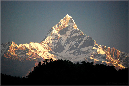 nepal machapuchare fishtail mountains trekking hiking sunrise inexplore