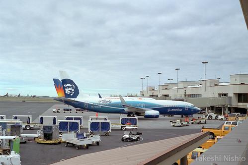 ボーイングハウスカラーのアラスカ航空B737 / Boeing's house colored B737, Alaska Airlines