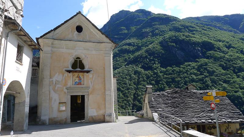 Corippo, iglesia