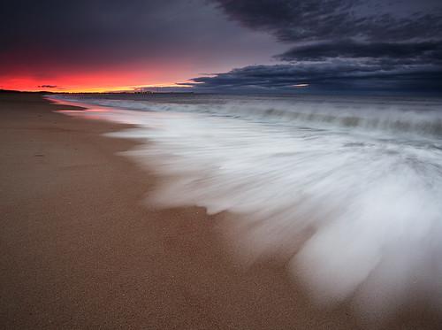 sunset seascape beach evening waves shoreline northumberland motionblur shorebreak seatonsluice canonef1740mmƒ4lusm gnd045he