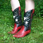 Nine West steer head cowboy boots from yard sale in Plainview