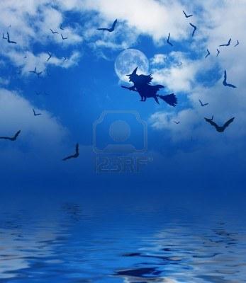 巫婆、掃帚、飛行、月亮、天空、蝙蝠/免版稅圖片/版權:Markus Gann/轉載自:gb.123rf.com