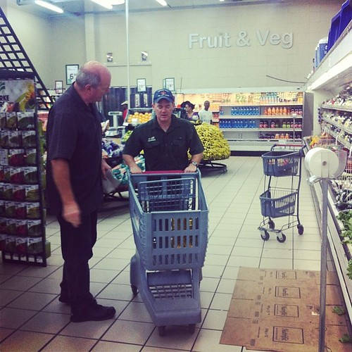 Jim helps Dudley get the food for the hungry families. #picknpay #lovelookslikesomething #loveyourneighborasyouloveyourself #amazingmenofgod #jesusfollowers #swazilandtripnovember2013
