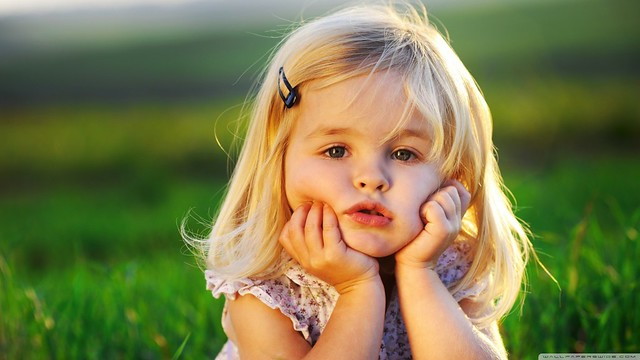 Cute Baby Girl Wallpaper