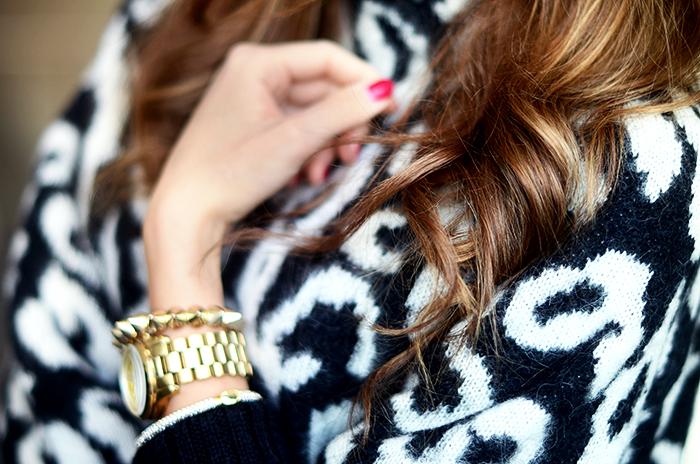 leosweater4