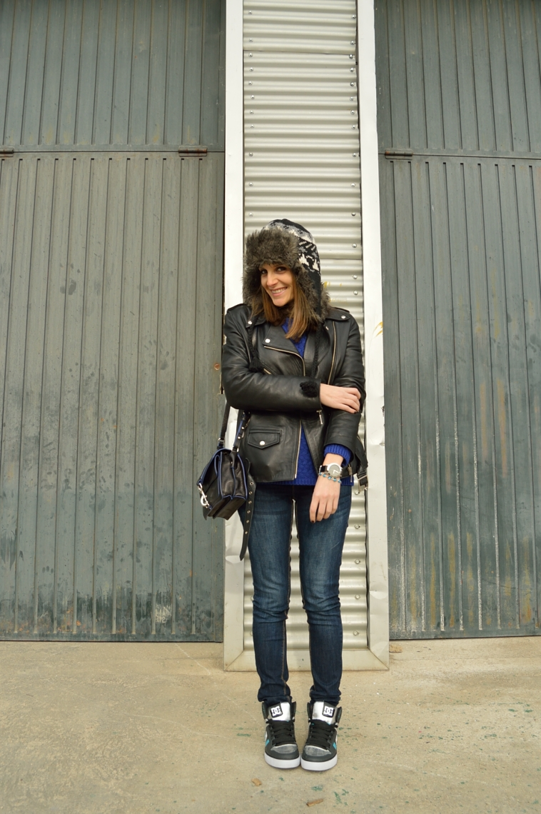 lara-vazquez-madlula-fashion-blogger-jeans-leather-perfecto-jacket-cusual-outfit