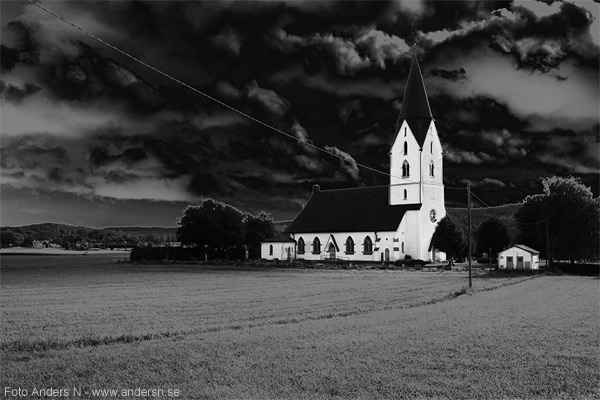 hyssna nya kyrka