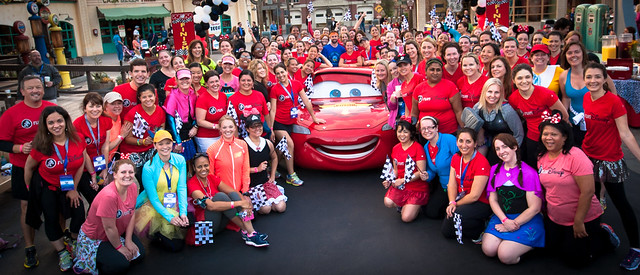 Disney Social Media Moms Celebration - Run Disney 'Fun Run' Group Photo