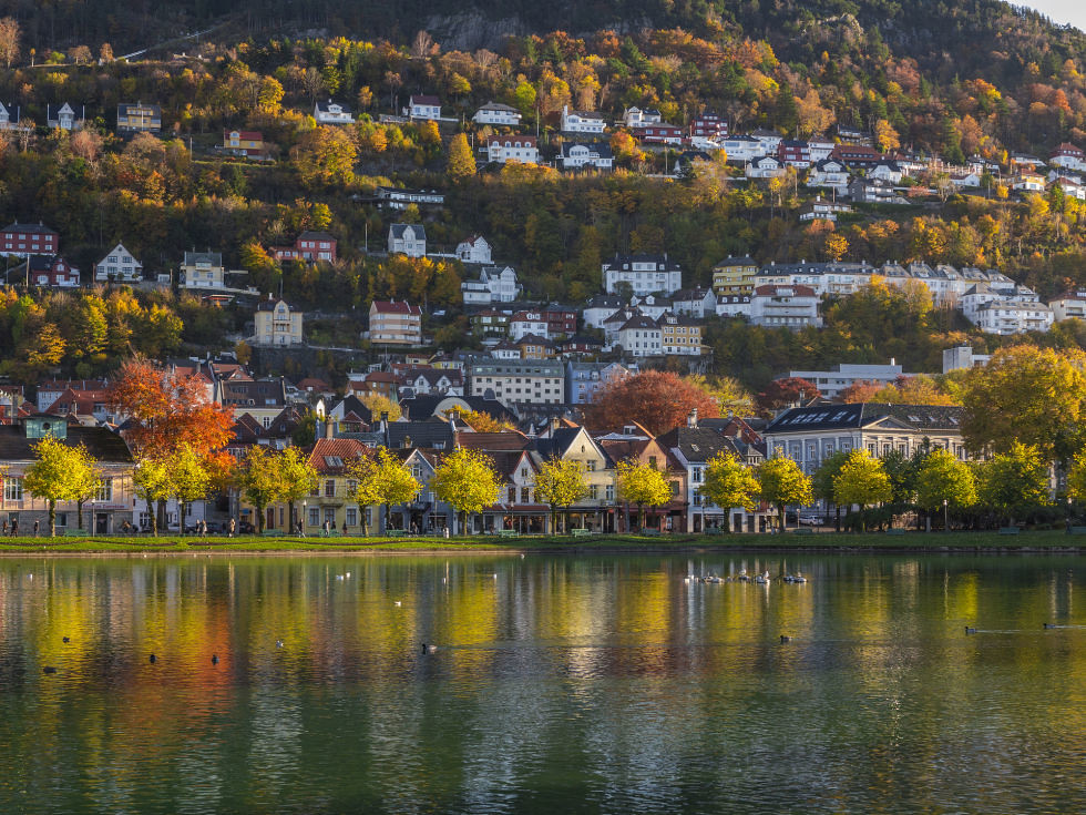adaymag-stunning-photos-that-prove-bryggen-norway-is-the-ultimate-storybook-town-04