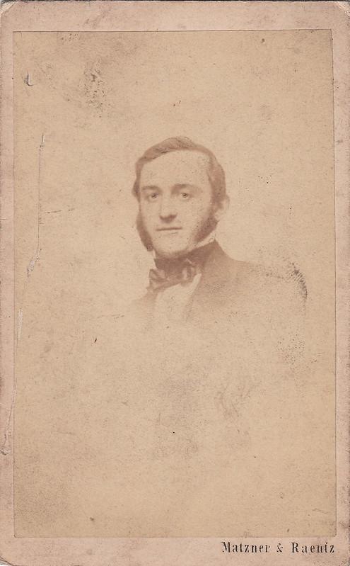 Portrait of a gentleman by Matzner & Raentz (1860s)