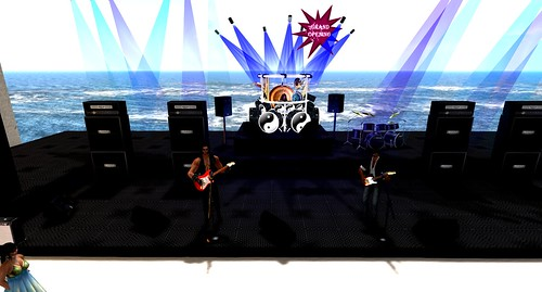 6 hours of live music starts at 1 pm slt=Guitar museum great re opening! by ZZ Bottom