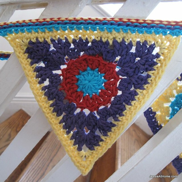 circle-to-triangle-free-crochet-pattern