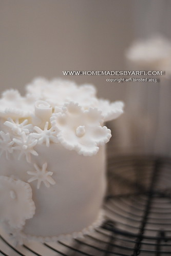 White Wedding Cake-2