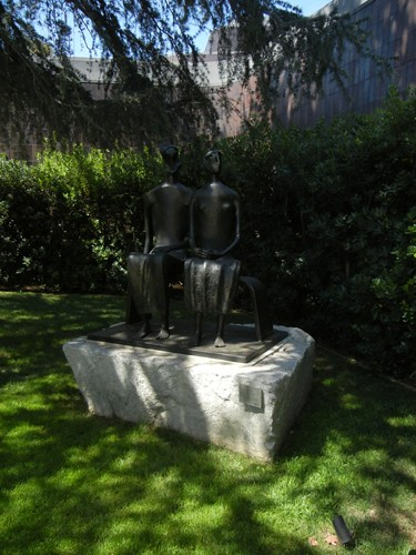 DSCN7744 _ King and Queen, 1952-53, Henry Moore (1898-1986), Norton Simon Museum, July 2013