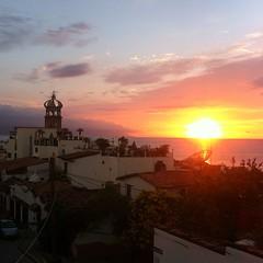 Así de bello es mi #PuertoVallarta con sus bellos atardeceres #Sunset