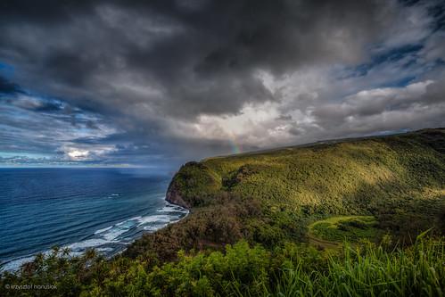 ocean green clouds landscape hawaii rainbow unitedstates valley waimea bigisland pololu