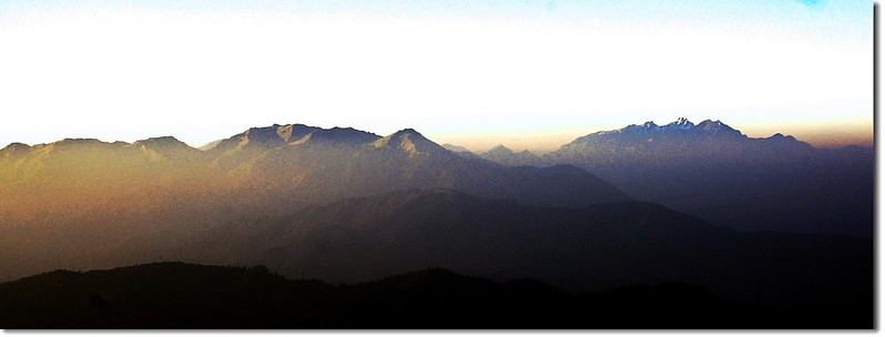 晨光照玉山 2