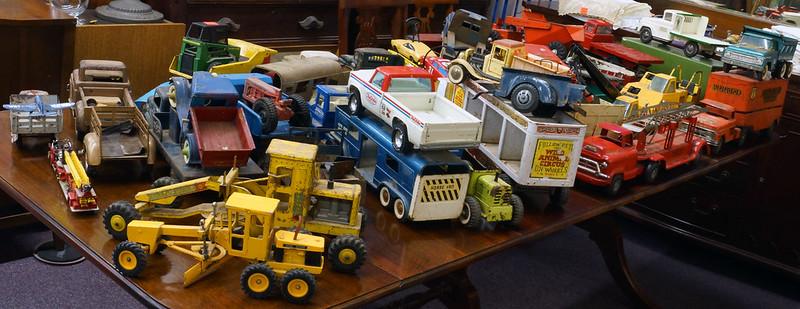 Tonka, Buddy L, Marx, Lamar Trucks DSC06273