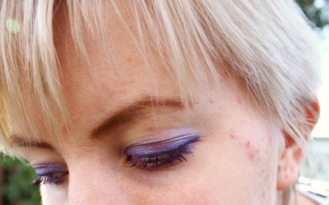 purple eyeliner and eyeshadow gradient