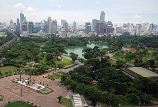 Lumphini Park (by: Terence Ong, creative commons)