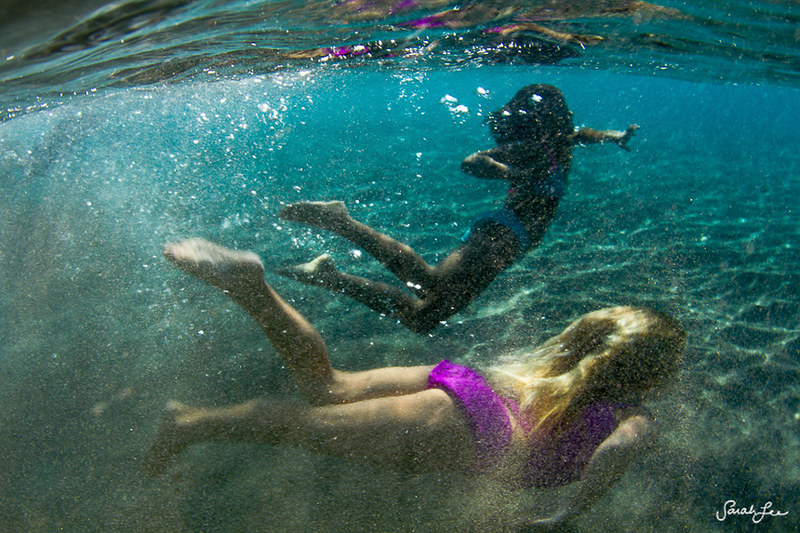 020-sarahlee-little_girls_swimming_underwater.jpg