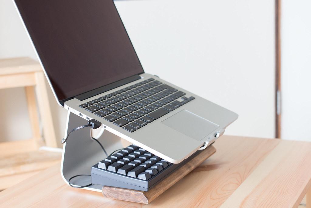 Spinido PCの下に収納できる