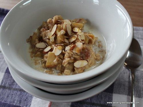 Apple & Date Porridge