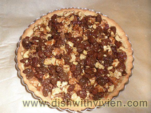 Walnut-Raisin-Pie8