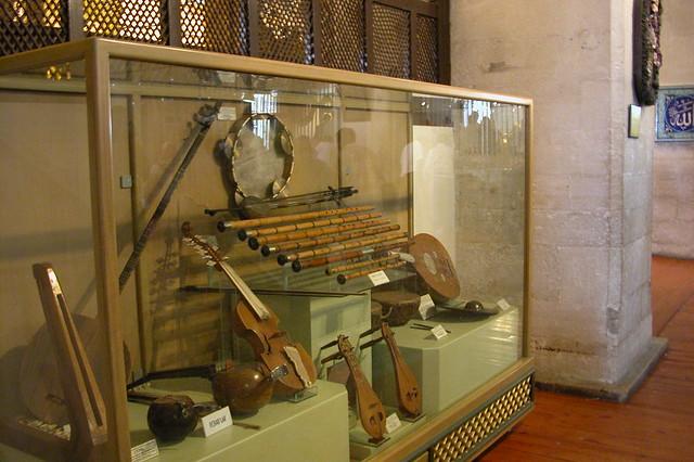 Instrumentos musicales originales utilizados por los Derviches durante muchos siglos .. Konya, el cinturón religioso de Turquía - 9283791547 b72d3285ca z - Konya, el cinturón religioso de Turquía