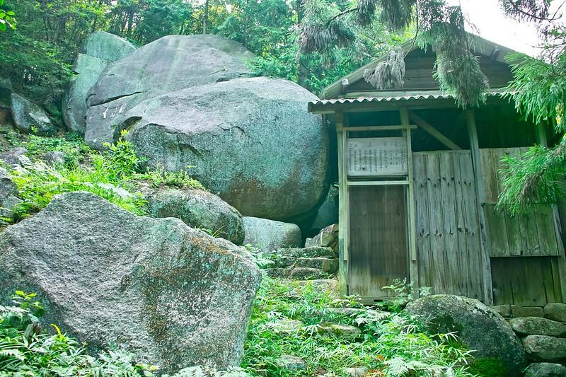 大石箱畳神社 #4