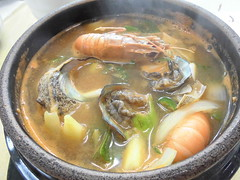 sinigang, hot pot, bouillabaisse, food, dish, haejangguk, broth, soup, cuisine, chinese food, nabemono,