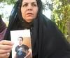 اعتصاب غذای مادر حسین رونقی در اعتراض به بی تفاوتی مسئولان قضایی با گذشت بیش از ده روز از اعتصاب سیدحسین رونقی، زلیخا موسوی، مادر حسین رونقی که پیش از این گفته بود اگر به خواسته هایش رسیدگی نشود، اعتصاب غذا می کند، در حمایت از فرزندش دست به اعتصاب غذا زد.