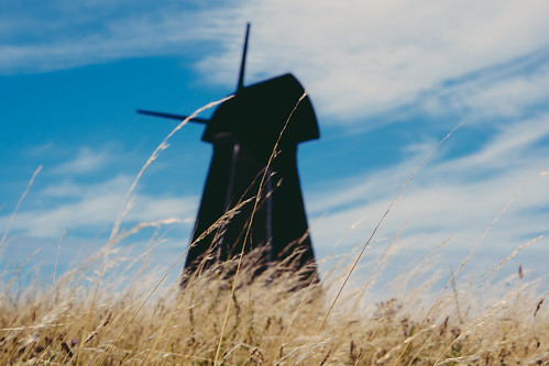 summer england sky black blur windmill grass brighton dof unitedkingdom depthoffield longgrass cluods uploadedtoflickr rottingdeanwindmill file:name=130813omdem58040002