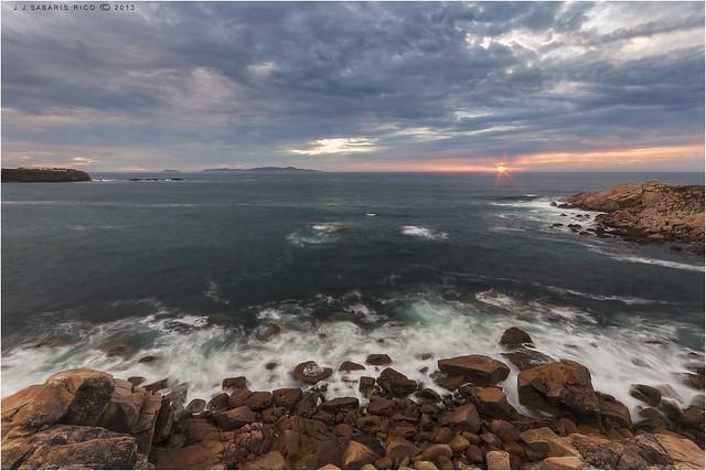 Pedras e mar